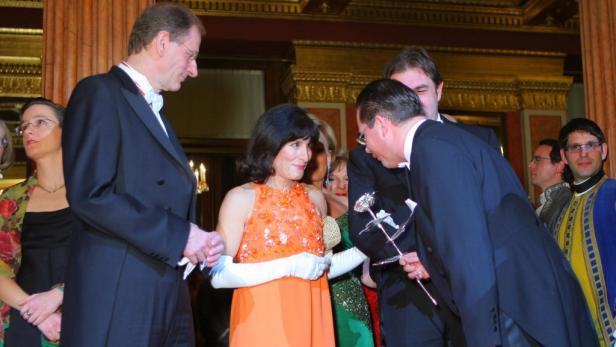 Küss die Hand: Clemens Hellsberg, Isabelle Meyer und Andreas Großbauer.