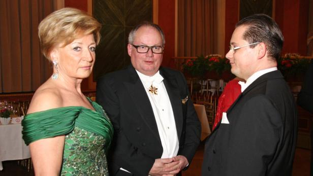 Freunde der Philharmoniker: Rotraut u. Christian Konrad mit A. Großbauer.