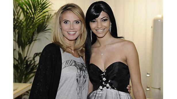 Heidi Klum mit der Ex-Kandidatin Melek Civantürk.