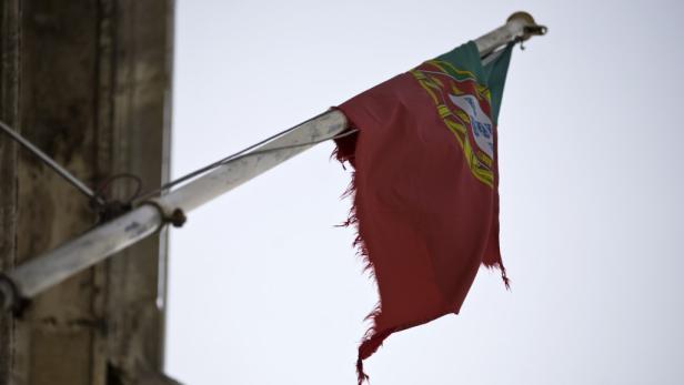 Fahne Portugals auf dem Finanzministerium