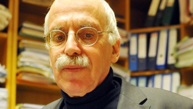 """""""Vom Anschluss an eine Terrorgruppe kann keine Rede sein."""" Lennart Binder Rechtsanwalt"""