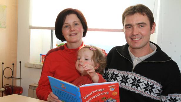 Alexandra und Hannes Riener mit Tochter Anna.
