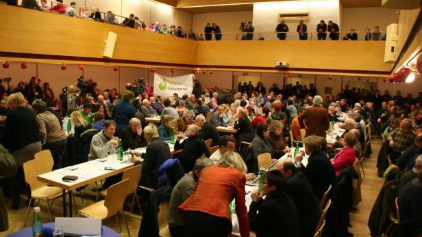 Die Info-Abende der OMV waren bestens besucht. Weinbauern und Touristiker fürchten Imageprobleme