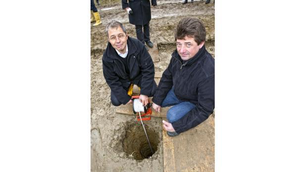 Geologe Wimmer und Bürgermeister Augustin zeigten sich über das Ergebnis zufrieden.
