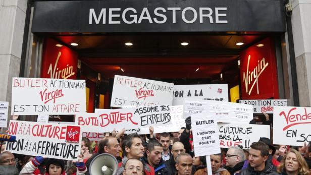 Mitarbeiter protestierten am Mittwoch vor dem Flagship-Store
