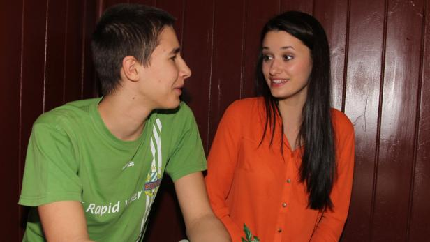 Auch Bruder Stefan gratulierte Antonia nach dem Sieg.