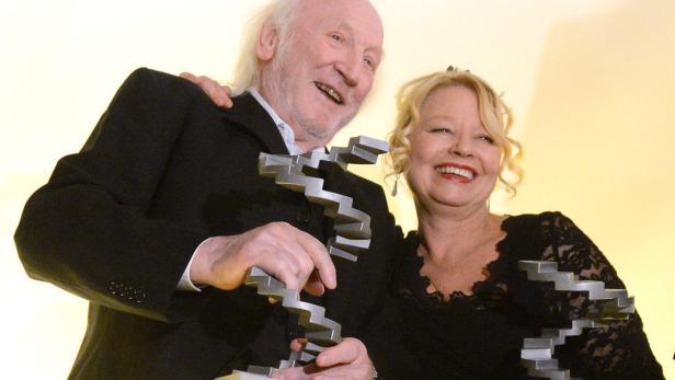 Karl Merkatz und Margarethe Tiesel mit ihren Darsteller-Preisen.