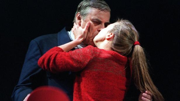 Wokalek mit Peter Simonischek 2000 in dem Stück 'Der jüngste Tag'