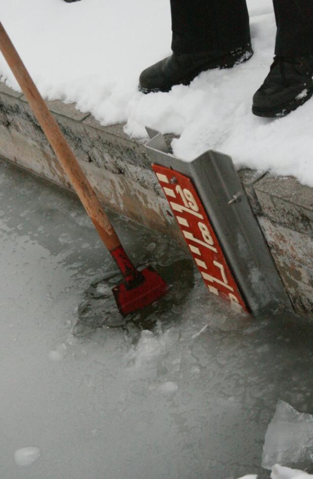 Es wird noch einige Tage dauern, bis das Eis dick genug ist