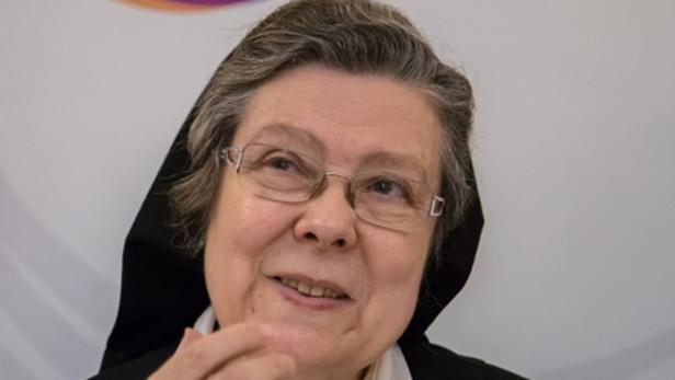 Schwester Beatrix Mayrhofer betont Sorge um den ganzen Menschen.