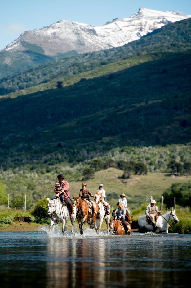 Caballadas, Reiten in Patagonien. Dolomite Mountai…