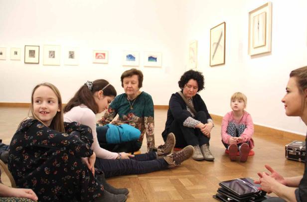 Eye-to ear-App-Test im Kunstforum bei der Georgia O'Keeffe-Ausstellung