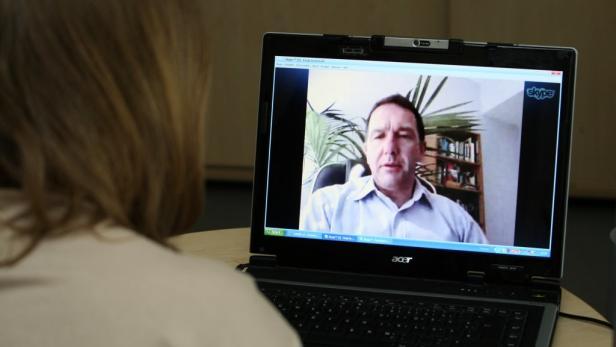 Bernhard Karl im Skype-Interview mit Birgit Braunrath.