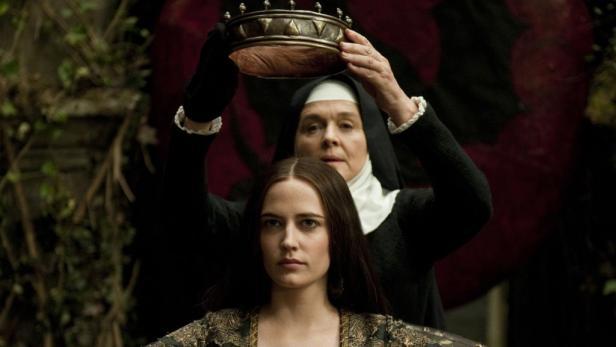 Morgan (Eva Green) ist – ganz der Vater – ein richtiges Herzerl: Sie vergiftet den Papa und will die Krone.
