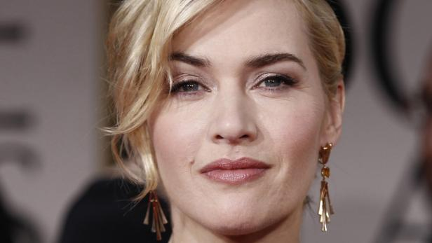 dapdFILE- In this Jan. 15, 2012, file photo showing Kate Winslet arriving on the red carpet before the 69th Annual Golden Globe Awards in Los Angeles, USA.  Kate Winslet has been honored by Queen Elizabeth II for her titanic contribution to the arts, as s