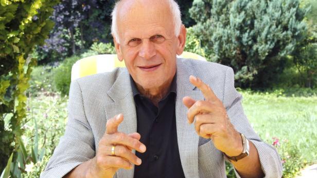Pensionist Wurmitzer hält kritische Rückschau auf Schwarz-Blau.