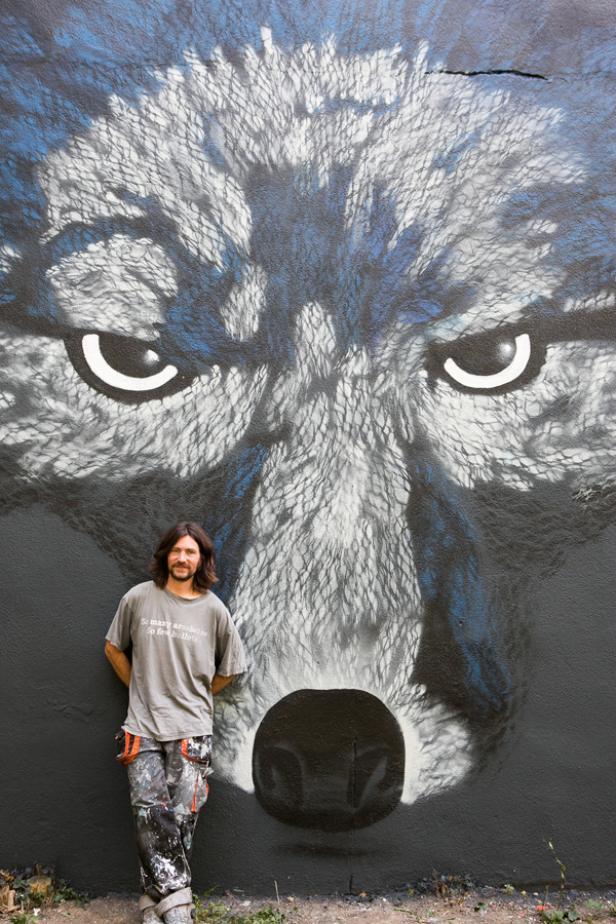 Loomit und sein Wolf: Fünf Stunden arbeitete der Künstler an dem Markenzeichen von Eristoff.