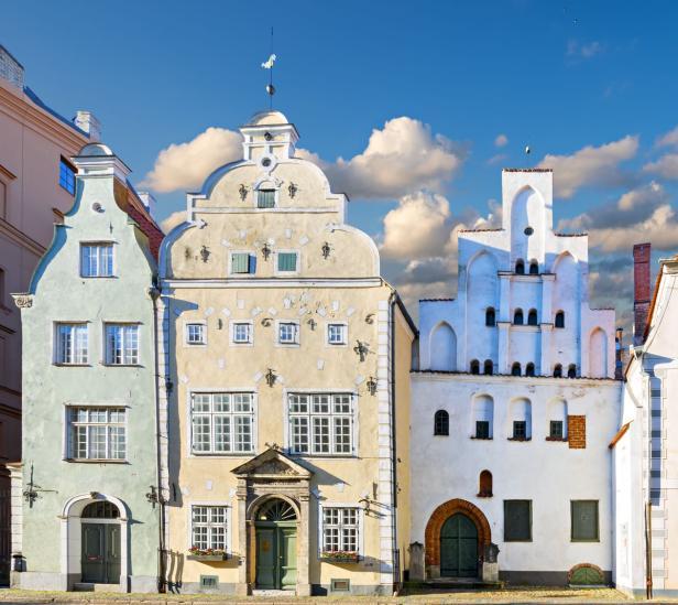 Die Drei Brüder (lettisch Trīs brāli) sind ein Gebäudeensemble in der Altstadt von Riga