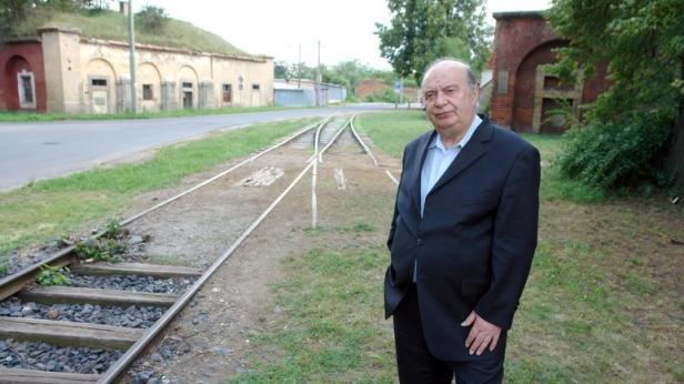 'Ich war zwischen 12 und 15 in Theresienstadt': Rudi Gelbard 2008 bei einem Besuch im ehemaligen KZ Theresienstadt