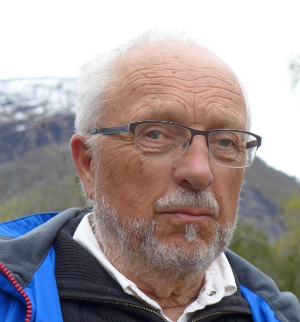 Harald Vatne – für Wiederaufbau vom Haus in Østerrike am Fjord