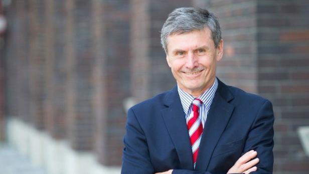 Ferdinand Dudenhöffer vom CAR-Center Automotive Research der Uni Duisburg-Essen