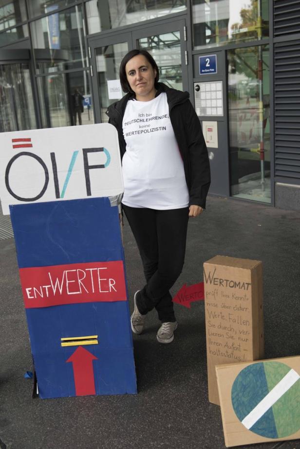 Protest Deutschlehrer ÖIF Wertesymposium
