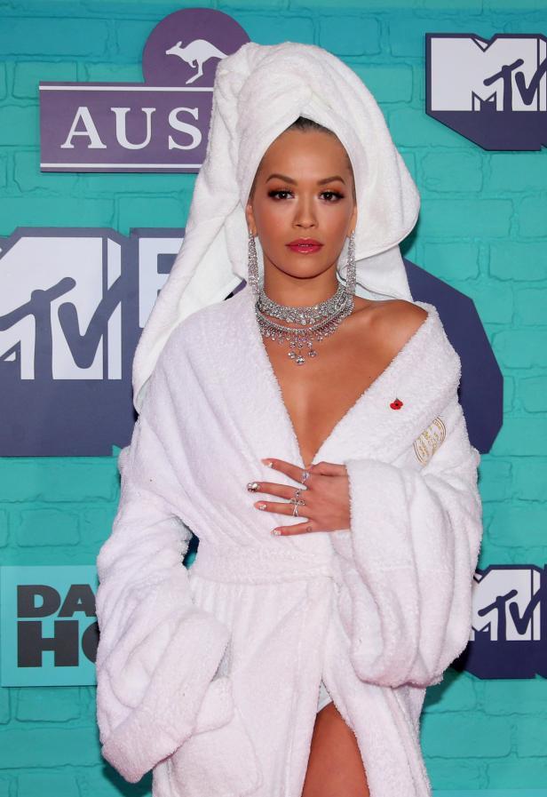 British singer Rita Ora arrives at the 2017 MTV Eu