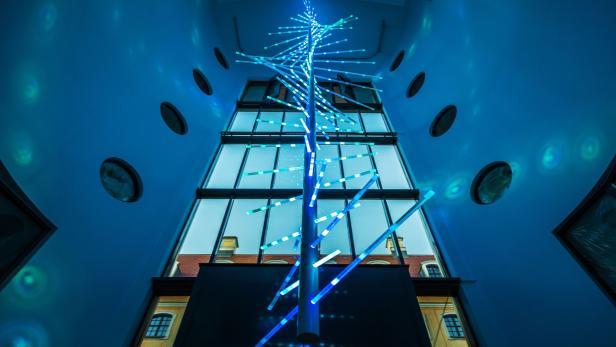 Sha entwickelte eine DNA, die sich 150 Meter durch das Haus windet.