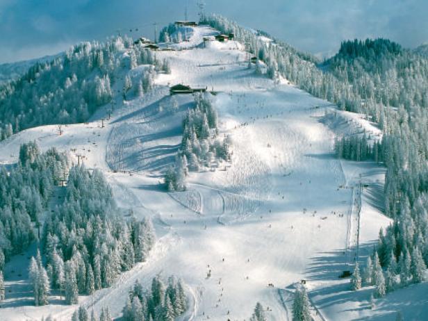 Beim Skifahren trifft man auf Gleichgesinnte.