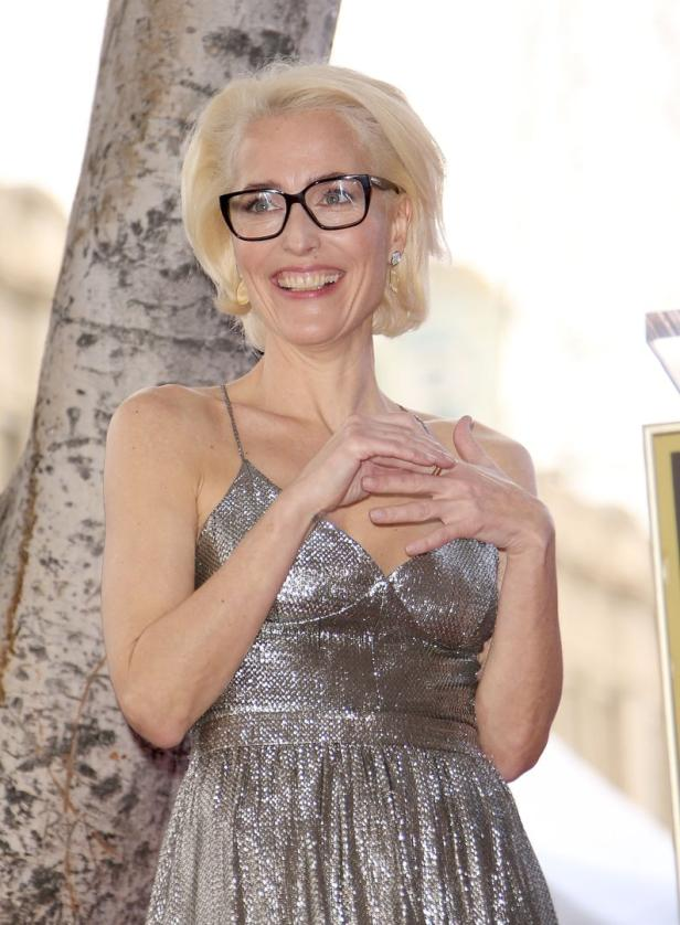 US-GILLIAN-ANDERSON-HONORED-WITH-STAR-ON-THE-HOLLY