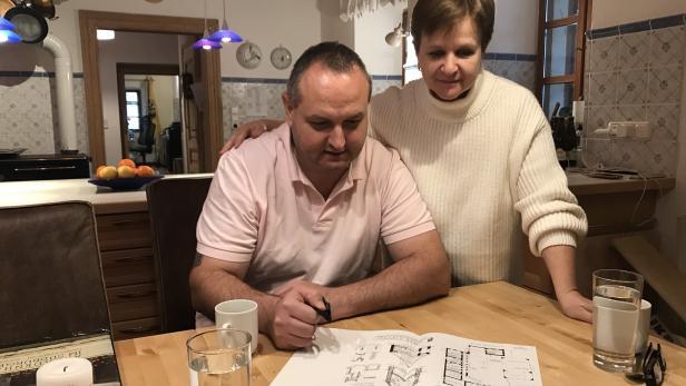 Marianne Jäger und ihr Mann Gerald Neuberg-Jäger haben sich im Burgenland ihren Wohntraum erfüllt