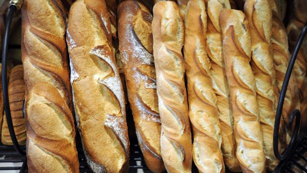 FILES-FRANCE-GASTRONOMY-FEATURE-BREAD