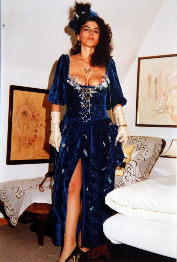 1986 trug sie ihr prachtvolles Dekolleté zur Schau