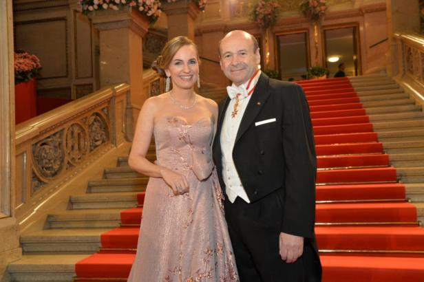 Hausherr Dominique Meyer und Organisatorin Maria Großbauer.
