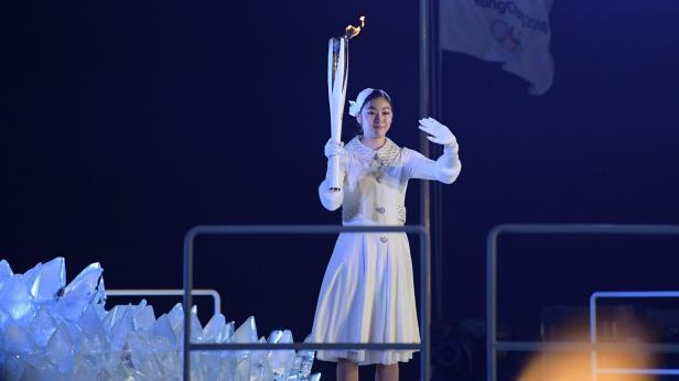 Kim Yu-Na entzündete das Olympische Feuer.