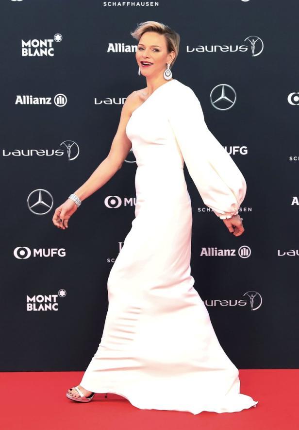 Charlene Kecker Glamour Auftritt Mit Neuer Frisur Kurier At