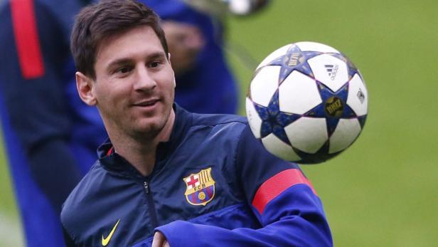 Barcelona's Lionel Messi attends a training sessio