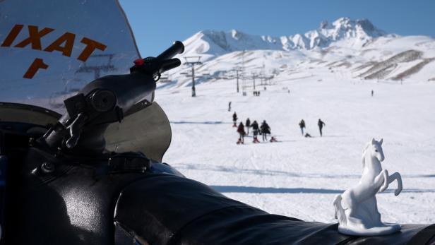 Panoramablick vom Erciyes: In der Ferne das Taurus-Gebirge