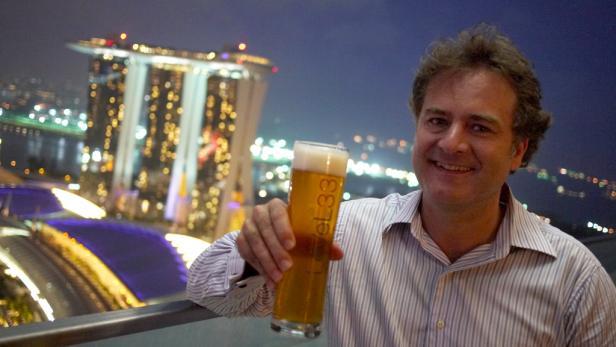 Der Senior unter den Wirtschaftsdelegierten: Gerhard Meschke im Büro in Singapur