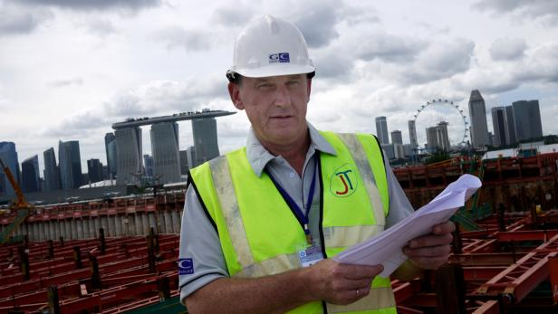 Regenzeit in Singapur: Peter-Jürgen Husnik setzt dennoch auf die Äquator-Sonne