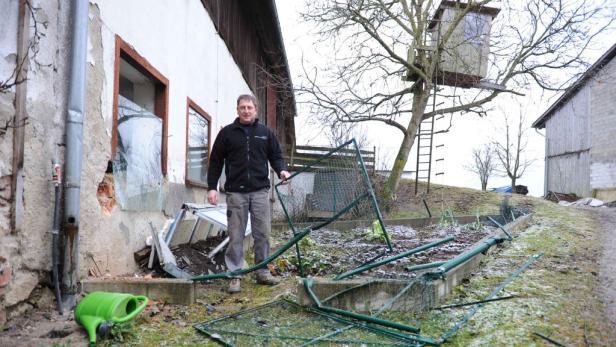Der Sachschaden am Bauernhof ist groß.