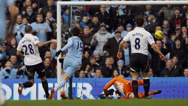 Das 1:0: Nasri (Nr. 19) brachte City nach einem Traumpass von David Silva in Führung.