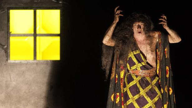 """Wuttke performs during a dress rehearsal of """"Die K"""