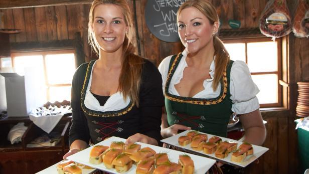 """Appetitlich: Bei einer Presse-Konferenz des Zuchtunernehmens """"Alpenlachs"""" servierte Happen vom Saibling."""