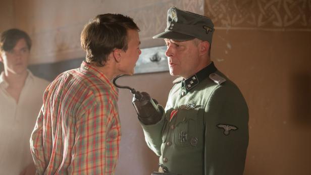 Premiere: Andreas Lust als Untersturmführer in ,Die Freibadclique'