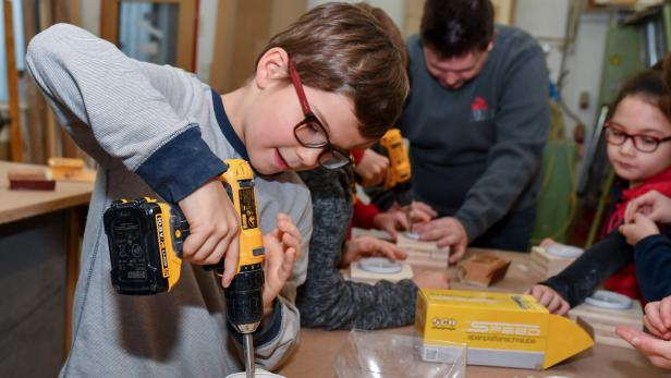 AUT, Tischlerei Simeoni, Kinder Handwerksprojekt