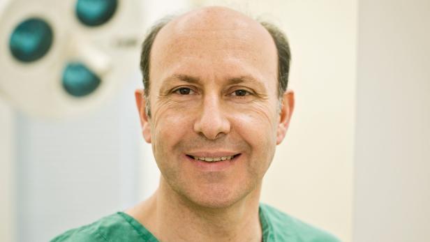 Univ.-Prof. Edvin Turkof, Facharzt für Plastische Chirurgie.