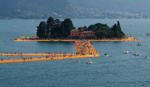 Last day of The Floating Piers