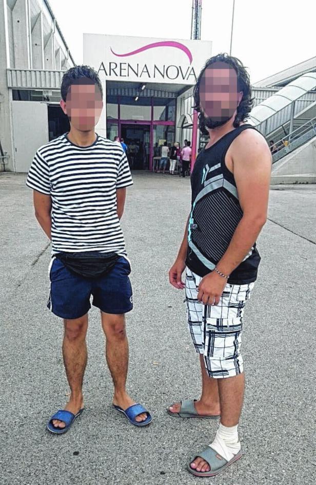Zwei der verletzten Flüchtlinge aus der Arena Nova