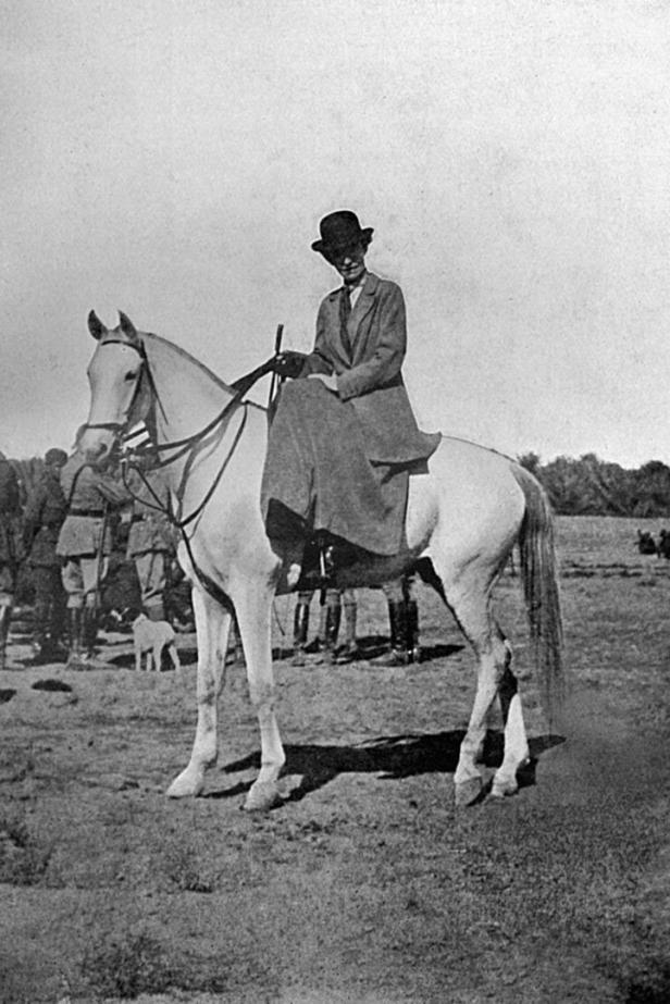 Gertrude Bell überstand locker einen fünftägigen Ritt durch die Wüste